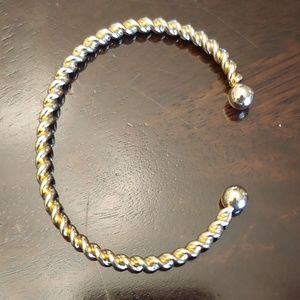 Jewelry - 5/$25 Item Gold plated braided rope bangle cuff